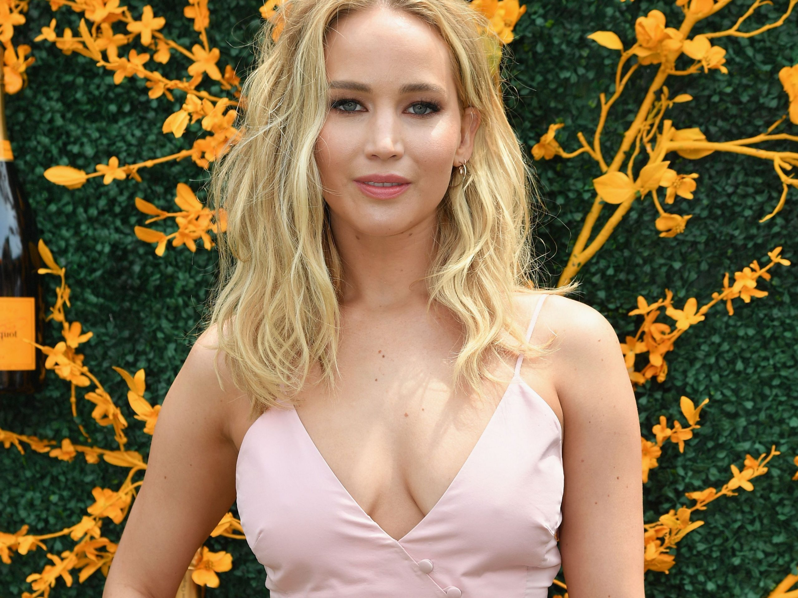Jennifer Lawrence Wants 'Vote From Home' Option For 2020 ...
