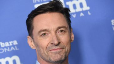 Hugh Jackman Pays Emotional Tribute To His Father!